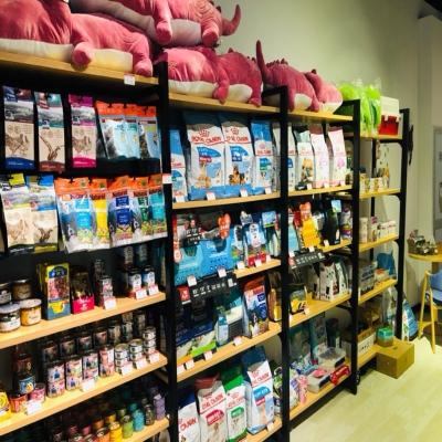 进口食品店货架